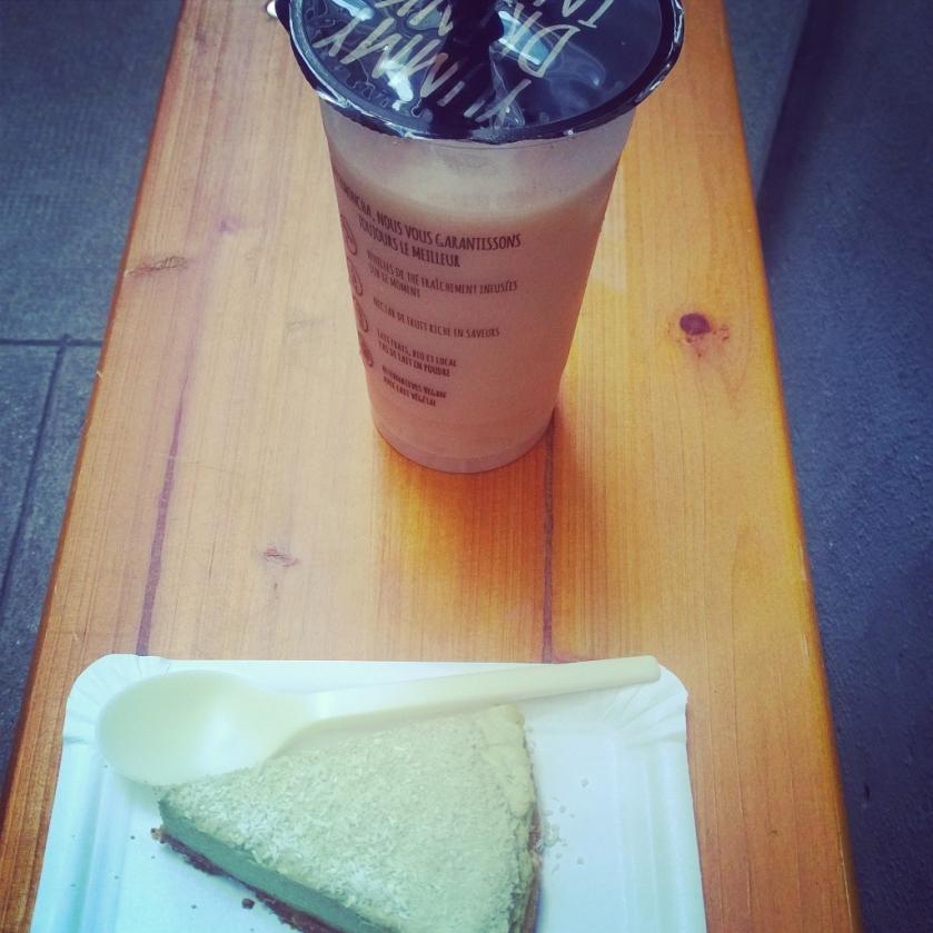 Lemoncha tea and pastry