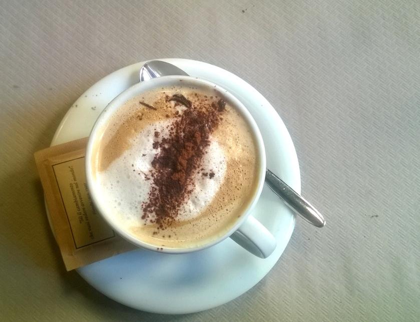 Almond cappuccino at la Tecia Vegana