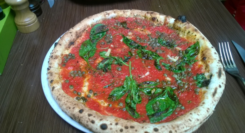 Pizza marinara at Luigia