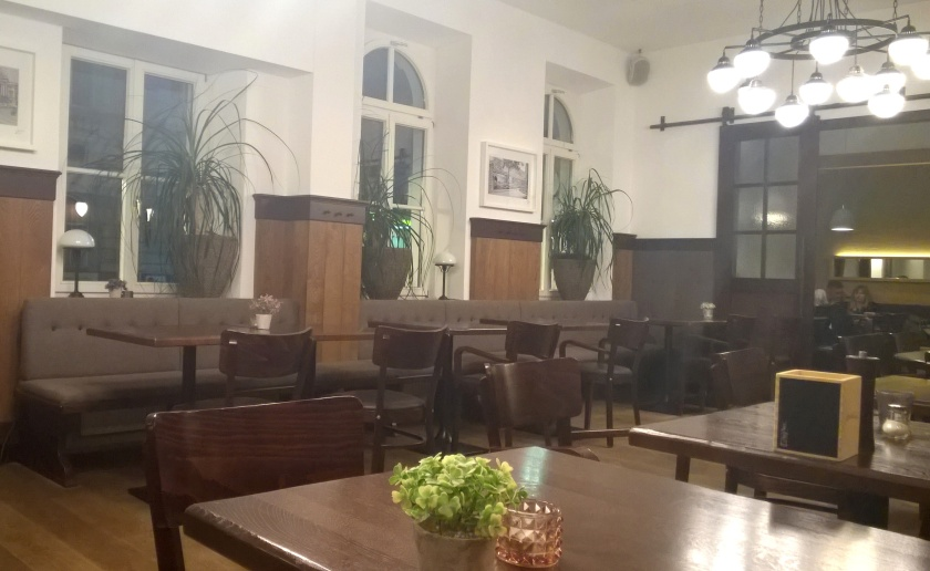 Inside Zum Wohl