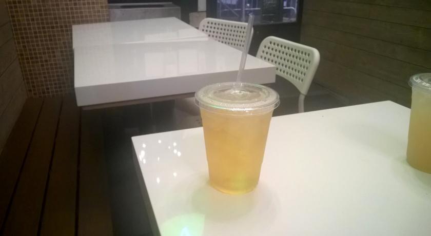 Drinks at V-life