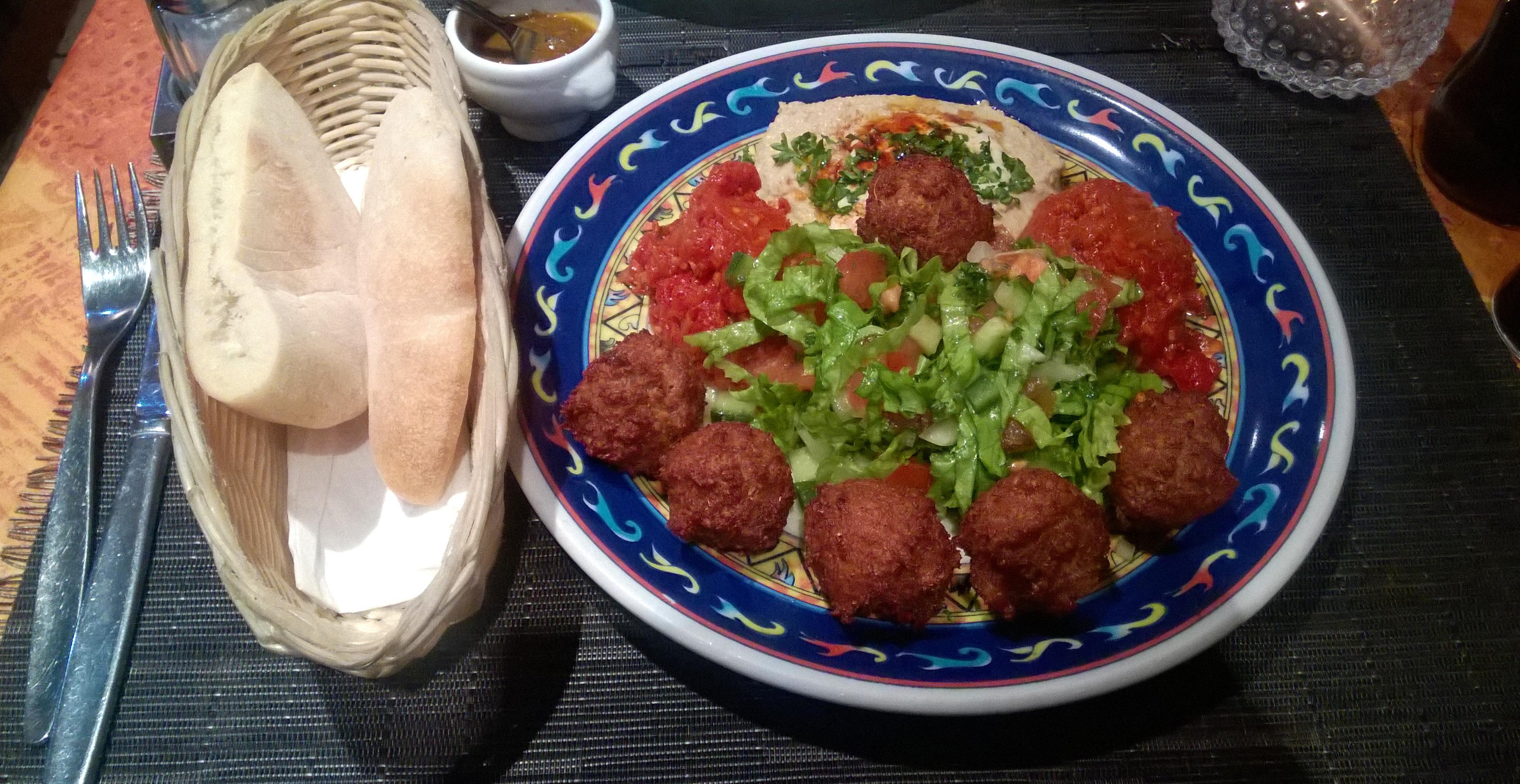 Falafel plate at Cafe l'Ami-Ami