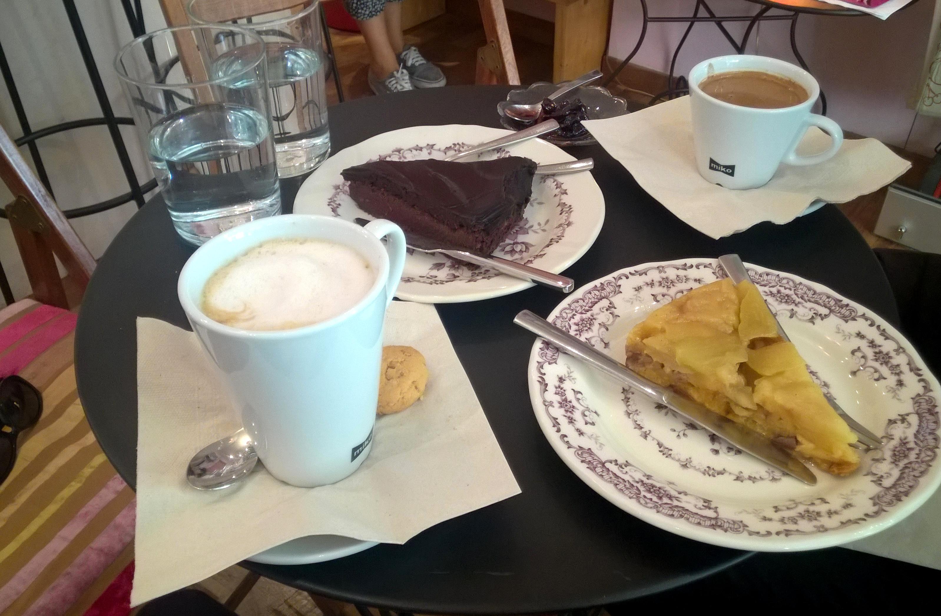 Desserts at Melikrini